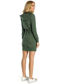 MOE - Sportowa sukienka bluza z kapturem i kieszenią tylu kangurek. Typ kołnierza: kaptur. Materiał: dresówka, elastan, materiał, dzianina, bawełna. Typ sukienki: sportowe. Styl: sportowy