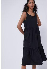 medicine - Medicine - Sukienka Staycation. Kolor: czarny. Materiał: włókno, dzianina, bawełna. Długość rękawa: na ramiączkach. Wzór: gładki. Typ sukienki: rozkloszowane