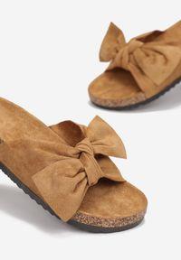 Renee - Camelowe Klapki Saraia. Okazja: na co dzień. Nosek buta: otwarty. Sezon: lato. Styl: casual #3