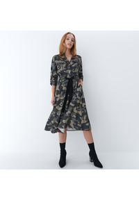 Mohito - Sukienka moro Eco Aware - Zielony. Kolor: zielony. Wzór: moro