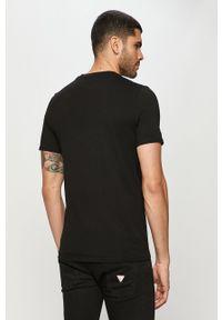 Czarny t-shirt Guess Jeans z nadrukiem