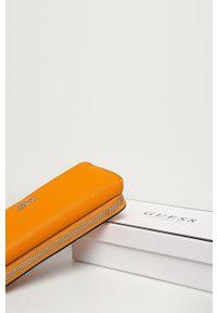 Pomarańczowy portfel Guess Jeans