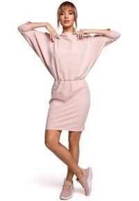 MOE - Sukienka Sportowa z Dekoltem V na Plecach - Różowa. Kolor: różowy. Materiał: bawełna, elastan. Typ sukienki: sportowe. Styl: sportowy