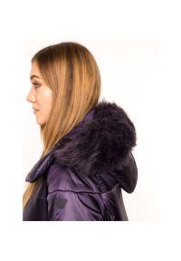 Fioletowy płaszcz zimowy Emporio Armani