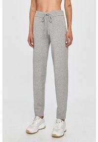 Szare spodnie materiałowe Guess Jeans na co dzień, casualowe