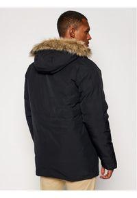 Czarna kurtka zimowa New Balance