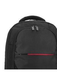 Wittchen - Męski plecak na laptopa 15,6″. Kolor: czarny. Materiał: poliester. Wzór: paski