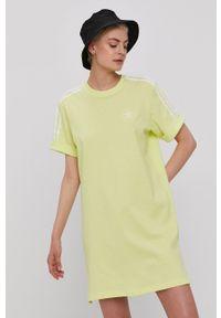 adidas Originals - Sukienka. Kolor: żółty. Materiał: dzianina. Długość rękawa: krótki rękaw. Wzór: gładki