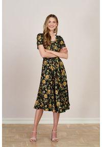 Marie Zélie - Sukienka Rosa Campo. Typ kołnierza: kokarda. Materiał: wiskoza, materiał. Długość rękawa: krótki rękaw. Długość: midi