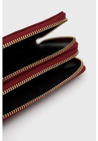 Sisley - Portfel. Kolor: czerwony. Materiał: materiał. Wzór: gładki