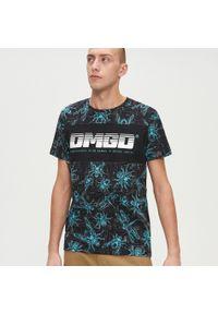 Czarny t-shirt Cropp z napisami