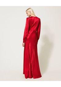 TwinSet - TWINSET - Czerwona satynowa sukienka maxi. Kolor: czerwony. Materiał: satyna. Długość: maxi