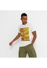 House - T-shirt z nadrukiem Breath - Kremowy. Kolor: kremowy. Wzór: nadruk