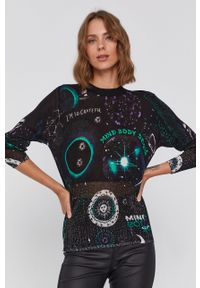 Desigual - Sweter. Kolor: czarny. Materiał: dzianina. Długość rękawa: długi rękaw. Długość: długie
