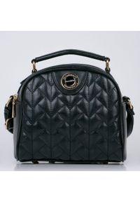 Torebka damska Monnari kuferek pikowana czarna. Kolor: czarny. Materiał: pikowane. Rozmiar: małe