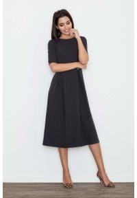 Figl - Czarna Sukienka Elegancka Wizytowa Midi. Kolor: czarny. Materiał: wiskoza, poliester. Styl: wizytowy, elegancki. Długość: midi