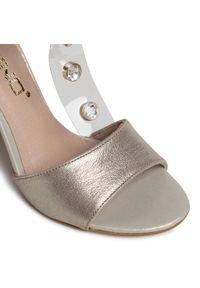 Złote sandały Karino z aplikacjami, na średnim obcasie