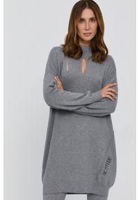 TwinSet - Twinset - Sukienka. Kolor: szary. Materiał: dzianina. Długość rękawa: długi rękaw
