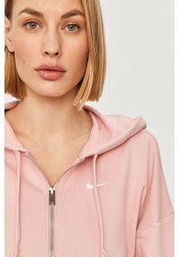 Różowa bluza rozpinana Nike z nadrukiem, z kapturem