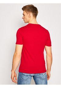 Guess T-Shirt M1RI71 I3Z11 Czerwony Slim Fit. Kolor: czerwony