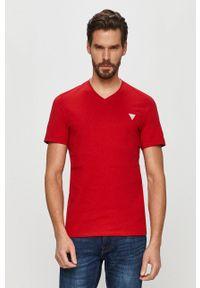 Czerwony t-shirt Guess na co dzień, z aplikacjami, casualowy
