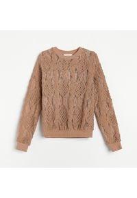 Reserved - Koronkowa bluzka ze zdobieniem - Beżowy. Kolor: beżowy. Materiał: koronka. Wzór: aplikacja