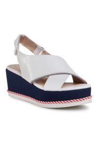 Białe sandały Betsy na co dzień, casualowe