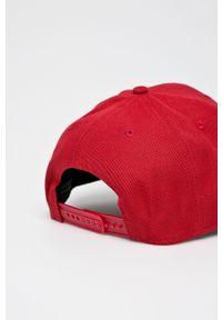 Czerwona czapka z daszkiem 47 Brand z haftami