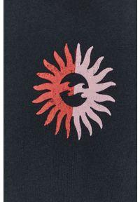Billabong - Bluza bawełniana. Typ kołnierza: kaptur. Kolor: czarny. Materiał: bawełna. Długość rękawa: długi rękaw. Długość: długie. Wzór: nadruk