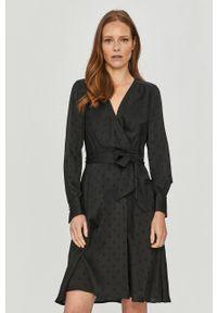 Czarna sukienka TOMMY HILFIGER na co dzień, w grochy, mini, casualowa