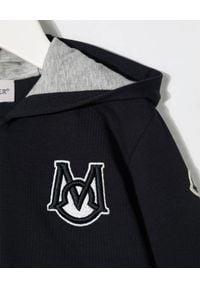 MONCLER KIDS - Granatowa bluza z kapturem 0-3 lat. Typ kołnierza: kaptur. Kolor: niebieski. Długość rękawa: długi rękaw. Długość: długie. Wzór: aplikacja. Sezon: lato
