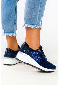 Filippo - Granatowe sneakersy filippo skórzane buty sportowe sznurowane z ozdobnym suwakiem dp2052/21nv. Kolor: niebieski. Materiał: skóra