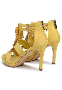 Żółte sandały Xti z aplikacjami, eleganckie