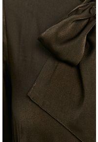 Czarna bluzka Guess Jeans na co dzień, elegancka, z długim rękawem