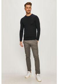 Niebieski sweter Hugo na co dzień, długi