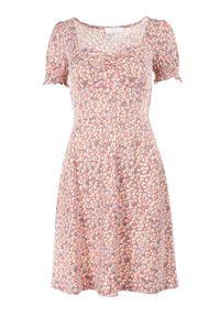 Born2be - Ciemnoróżowa Sukienka Kilwen. Kolor: różowy. Wzór: kwiaty. Sezon: lato. Długość: mini