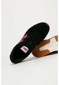 Czarne sneakersy Asics z okrągłym noskiem, z cholewką