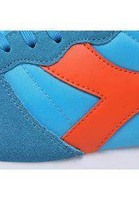 Diadora - Sneakersy DIADORA - Camaro 501.159886 01 C9175 Swedish Blue/Red Orange. Okazja: na co dzień. Kolor: niebieski. Materiał: zamsz, materiał, skóra ekologiczna, skóra. Szerokość cholewki: normalna. Styl: casual, elegancki