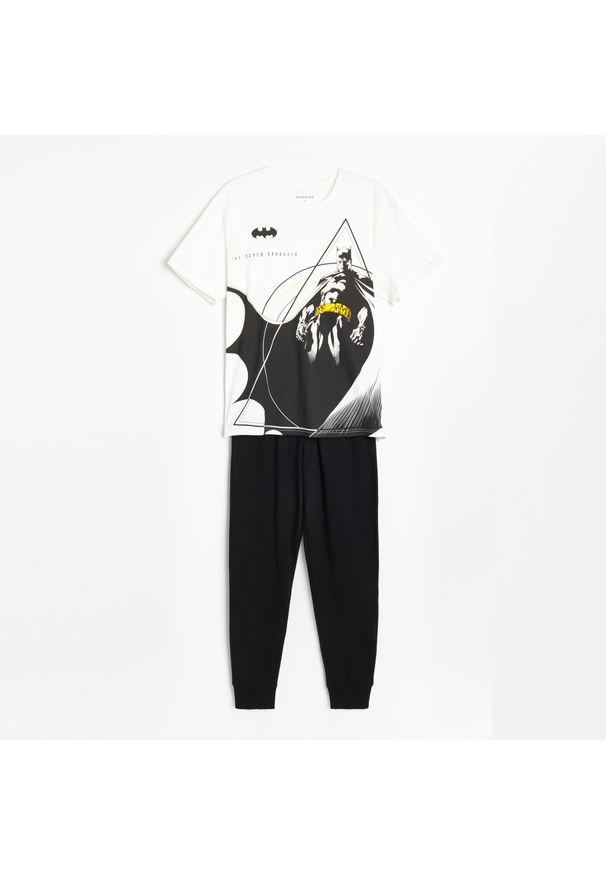 Reserved - Dwuczęściowa piżama Batman - Kremowy. Kolor: kremowy. Wzór: motyw z bajki