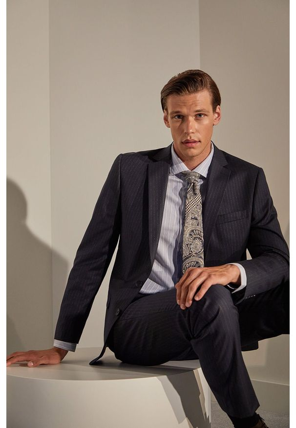Niebieski garnitur Answear Lab