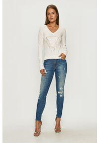 Biały sweter Guess Jeans casualowy, na co dzień, z długim rękawem