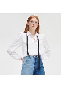 Cropp - Koszula ze wstążką - Biały. Kolor: biały