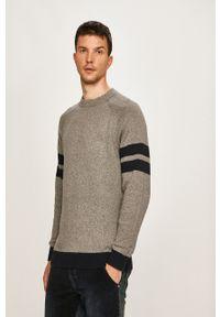 Pepe Jeans - Sweter Jimy Archive. Okazja: na co dzień. Kolor: szary. Materiał: dzianina. Długość rękawa: raglanowy rękaw. Styl: casual