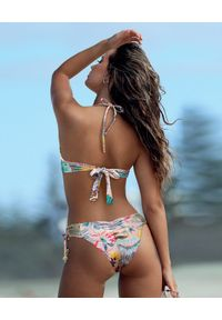 DEL MAAR - Szydełkowy dół od bikini Zianya. Kolor: beżowy. Materiał: materiał. Wzór: haft, kwiaty, kolorowy