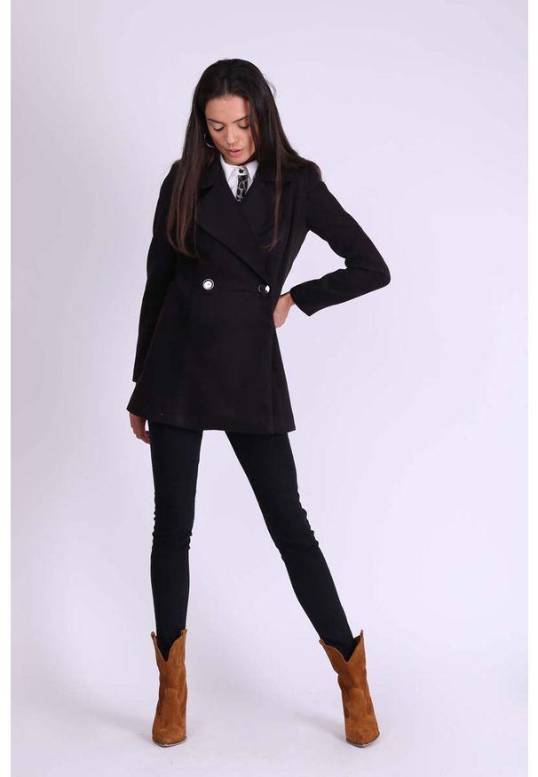 Nommo - Czarny Krótki Dwurzędowy Płaszcz Wełniany. Kolor: czarny. Materiał: wełna. Długość: krótkie