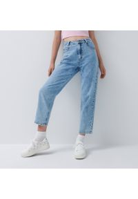 House - Jasne mom jeans - Niebieski. Kolor: niebieski