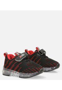 Casu - czarne buty sportowe na rzep casu 204/37m. Zapięcie: rzepy. Kolor: czarny