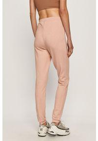Różowe spodnie dresowe Pieces #4