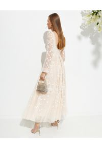 NEEDLE & THREAD - Sukienka maxi Sweet Marie. Typ kołnierza: dekolt na plecach. Kolor: różowy, wielokolorowy, fioletowy. Materiał: tiul, szyfon, koronka, materiał. Wzór: haft, kwiaty, aplikacja. Typ sukienki: rozkloszowane. Długość: maxi #4