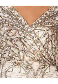 Camilla - CAMILLA - Wzorzysta sukienka maxi All Is Nouveau. Kolor: brązowy. Materiał: wiskoza, jedwab. Wzór: motyw zwierzęcy, aplikacja, nadruk. Typ sukienki: asymetryczne, kopertowe. Długość: maxi